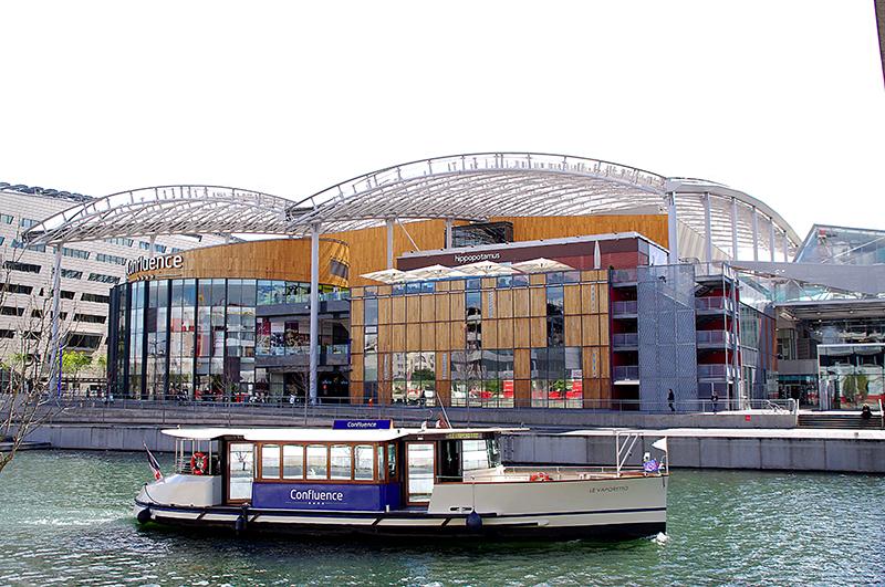 Centre-commercial-confluence