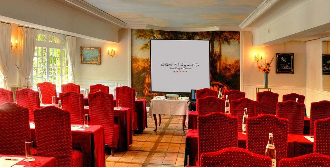 hotel_le_vallon_de_valrugues_spa_salle_de_seminaire