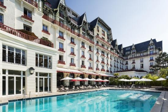 hotel-barriere-l-hermitage