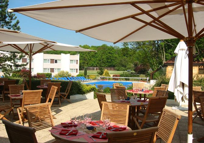 S minaire novotel fontainebleau ury event success - Hotel fontainebleau piscine ...