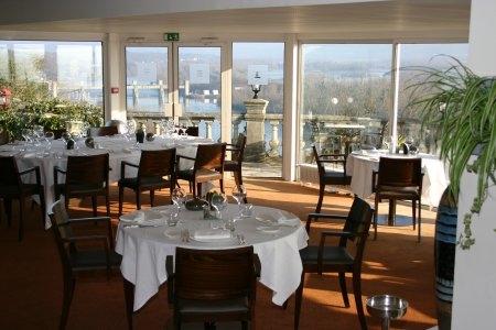 restaurant-room