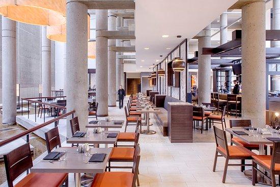 bistro-300-restaurant