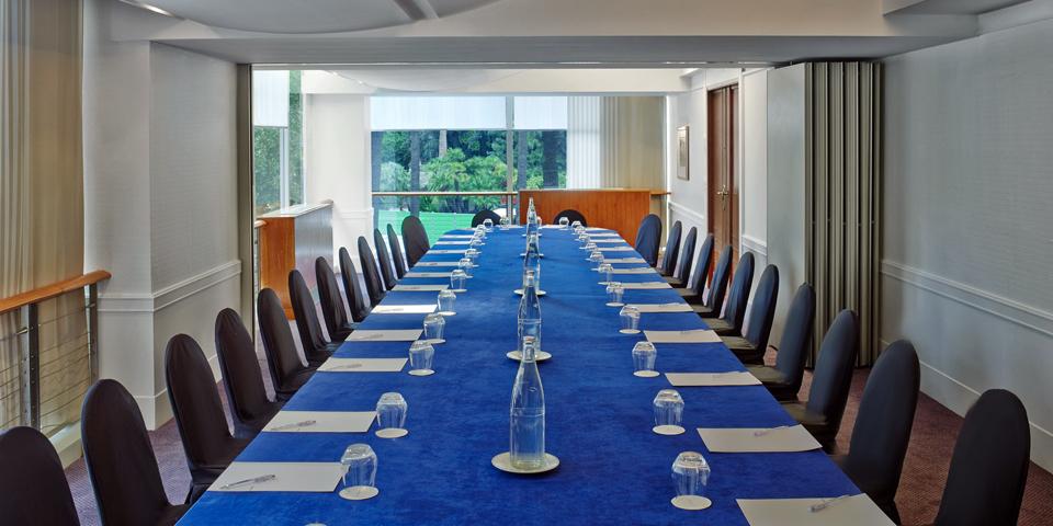 le-meridien-nice-hotel-seminaire-provence-alpes-cote-d-azur-salle-reunion-b