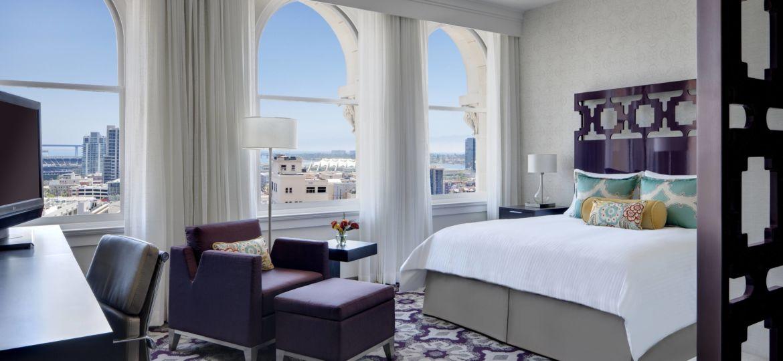 sancd-guestroom-0041-hor-clsc