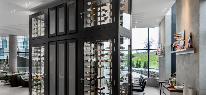 Cave-à-vin-sur-mesure-design-luxe-Provintech-Pullman-Roissy2-1440x1283 - Copie