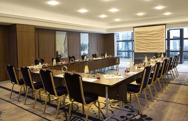 Renaissance-Paris-La-Defense-Meeting-rooms-630x405-C-Hakan-AKDEMIR