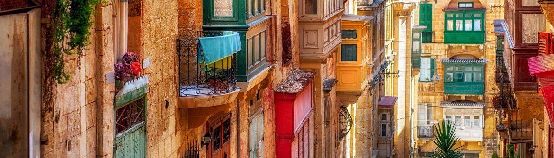 Valletta-colorful-street-Malta_shutterstock_256853281-1200x335