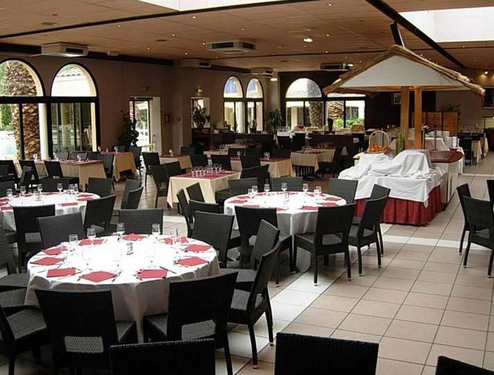 t_Le-Village-Camarguais-restaurant2