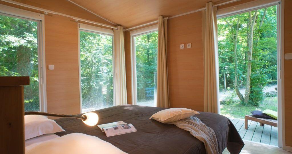 business-village-chambre-e1492596331635