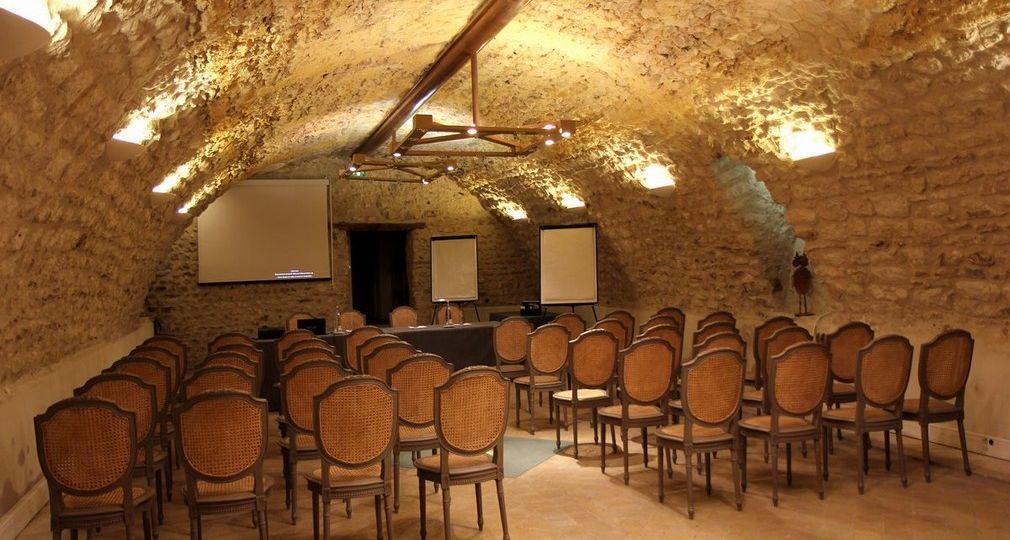 hostellerie-de-varennes-jarcy-configuration-theatre