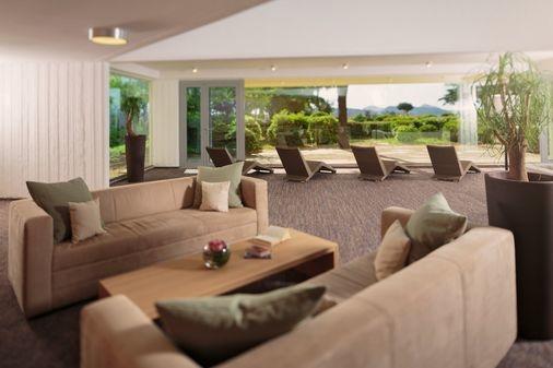 leonardo-1241949-Argosy_Hotel_Sun_Room_S-image