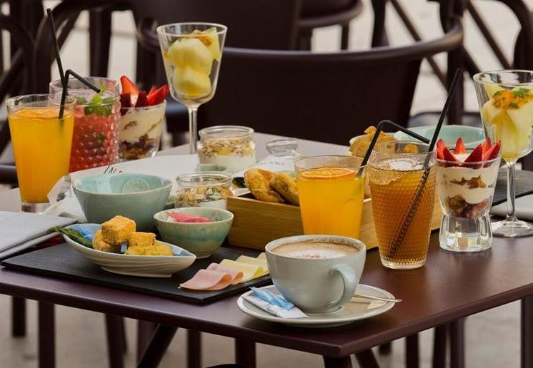 Brunch-Restaurant-Infame-1908-Lisboa-Hotel-Lisbonne-e1504028549512