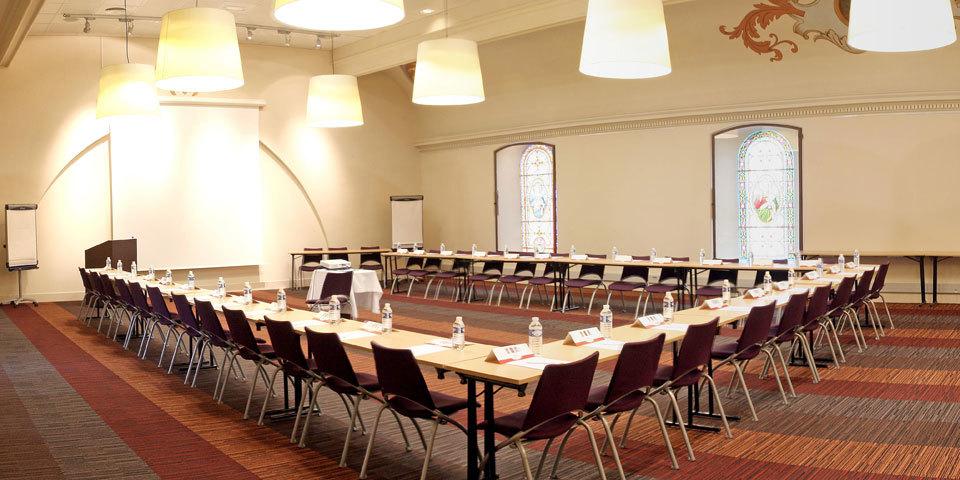 abbaye-des-capucins-hotel-seminaire-midi-pyrenees-tarn-et-garonne-salle-reunion-a