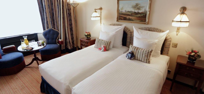 101337.12993.bruxelles.hotel-barsey-by-warwick.room.family-room-vktPdm5z-49647-1280x720