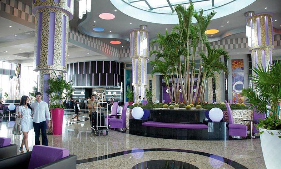 lobby-riu-palace-peninsula-2_tcm55-224901