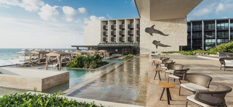 pool-beach-area-sophisticated